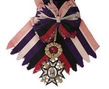 L'insigne de l'ordre de Marie-Louise de l'impératrice Eugénie