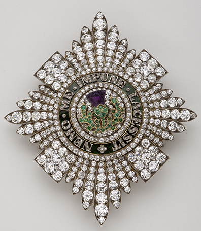 Badge and star of the Most Ancient and Most Noble Order of the Thistle – R & S Garrard & Co, London (badge) – End 18th century – Gold, silver, diamonds, emerald, amethyst and enamel