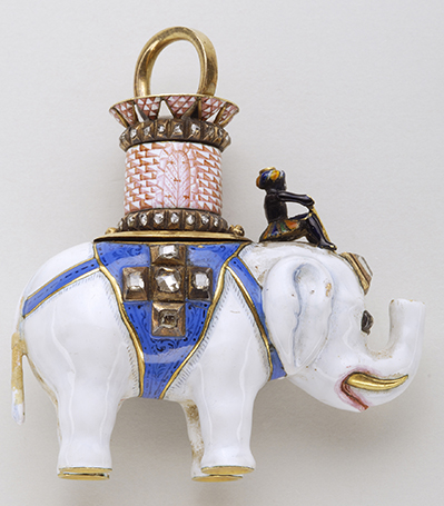 Pendant of the Order of the Elephant – Gold, diamonds, and enamel – This insignia bears the imprint of the office of Copenhagen 1904.
