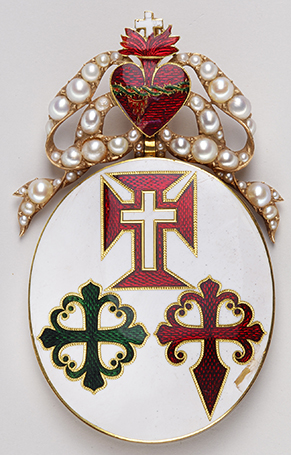 Grand Cross badge of the three orders that most probably belonged to Marie II of Braganza (1819-1853), Queen of Portugal (1826-1853) – Model for a noble lady – First half of 19th century – Gold, enamel, pearls
