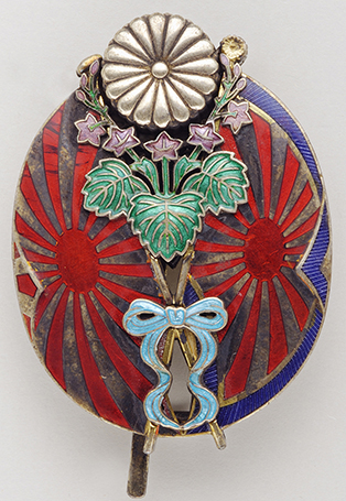 Insignia of the marshals of Japan – Beginning 19th century – Gold, silver and enamel