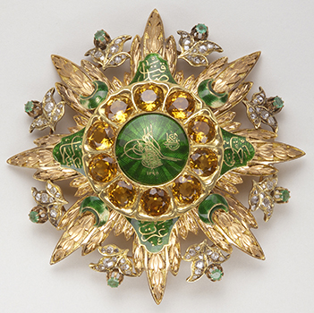 Badge of the Order of Imtiyaz 2nd half of the 19th century – Gold, diamonds, emerald, topaz and enamel