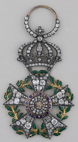 Jewel insignia of the Legion of Honor Circa 1810 – Gold, enamel, diamonds and emeralds